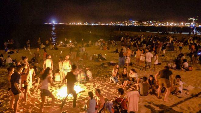 Imagen de la Revetla de 2017 en la playa de Ca'n Pere Antoni
