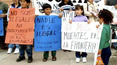 EE.UU. reúne a 522 niños inmigrantes con sus familiares