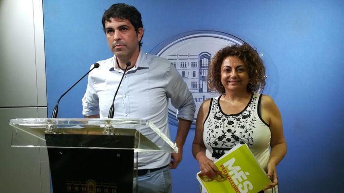 Més exige al presidente Sánchez más financiación, el REB y la derogación de la reforma laboral