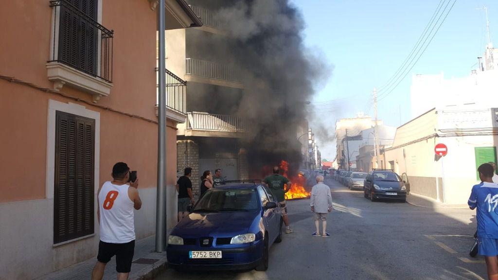Tres contenedores arden en Son Gotleu y afectan a una vivienda