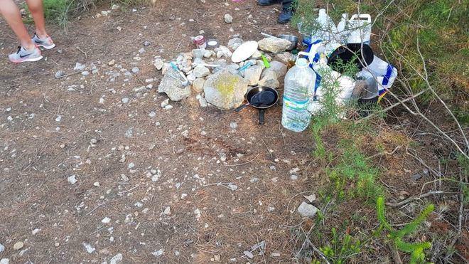 Santa Eulària desmantela un campamento ilegal y denuncia a nueve personas