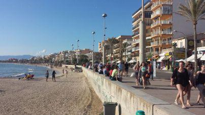 Medi Ambient prohibe el alquiler turístico en todos los núcleos saturados del litoral