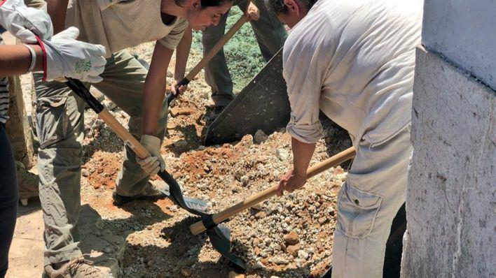 Comienzan los trabajos de exhumación en la fosa de Alaró para encontrar al exalcalde y su hijo