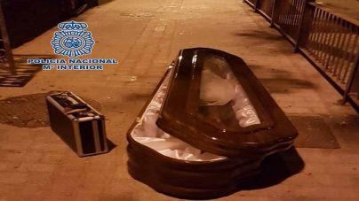 Tres detenidos en Las Palmas por robar un ataúd de un coche fúnebre
