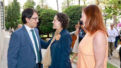 La ministra de Trabajo defiende en Palma la creación de nuevos impuestos para pagar las pensiones