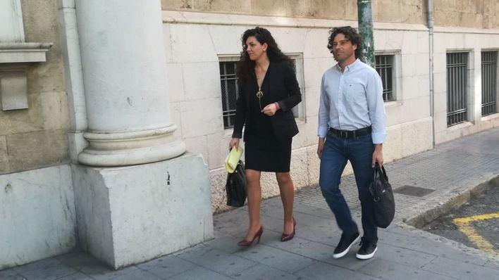 El exjefe de campaña de Més, Jaume Garau, entrando en los juzgados para declarar