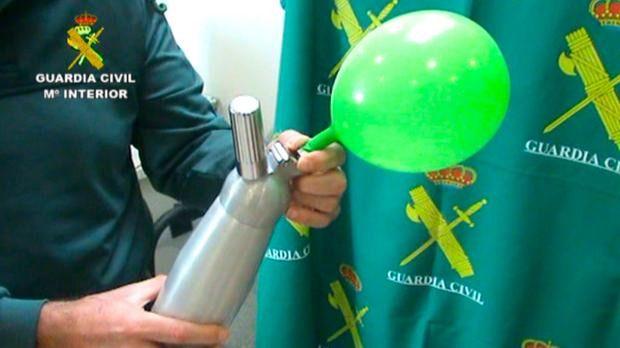 Detenido en Sant Antoni por vender 'gas de la risa'