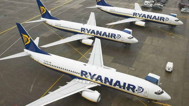 Los tripulantes de cabina de Ryanair, en huelga el 25 y 26 de julio