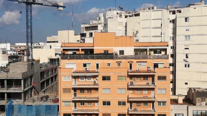 La compraventa de viviendas en Balears baja un 26 por ciento, la mayor caída del país