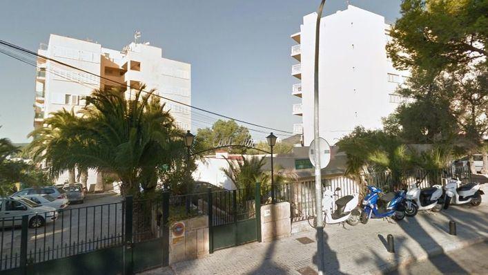 Muere un turista británico de 18 años al precipitarse del sexto piso de un hotel en Magaluf