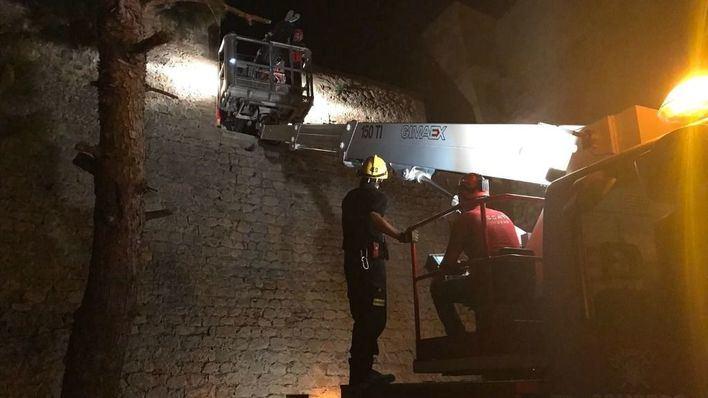 Herido grave tras caer desde diez metros de altura en Ibiza