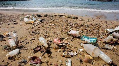 Las playas de Balears están más sucias este verano, según la mayoría de los lectores