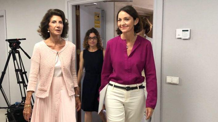 Empresarios y hoteleros piden a la ministra en Palma medidas para frenar la
