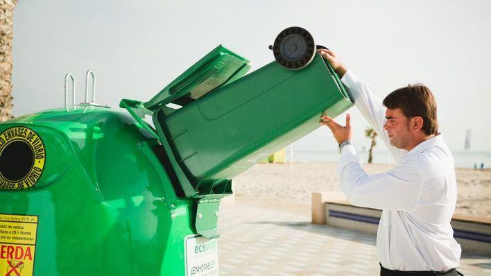 La limpieza, el principal factor que valoran los baleares para elegir una playa