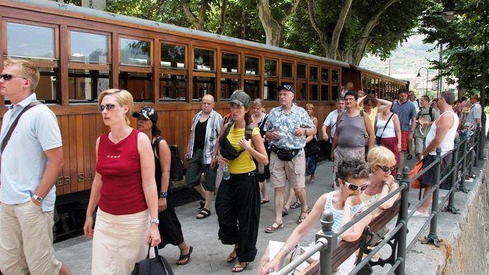 Los hoteleros prevén mismo número de turistas y menor rentabilidad esta temporada