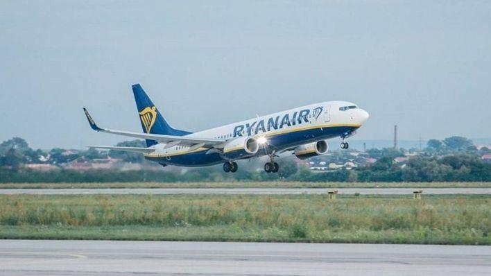 Ryanair niega haber despedido a los cuatro TCP por superar el máximo de horas de vuelo
