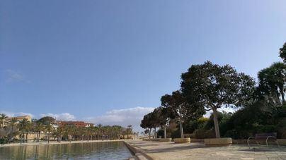 Pocas nubes, polvo en suspensión y mucho calor en Mallorca