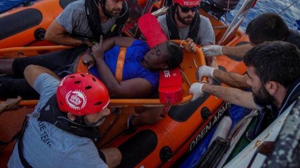 El barco de Open Arms llega este sábado a Palma para desembarcar la mujer rescatada y los dos cadáveres