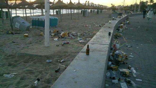 La degradación urbanística de la zona contribuye al mal uso por parte de muchos visitantes