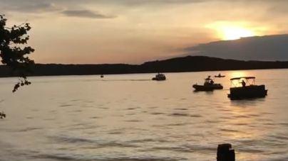 11 muertos al hundirse un barco turístico en un lago de Misuri