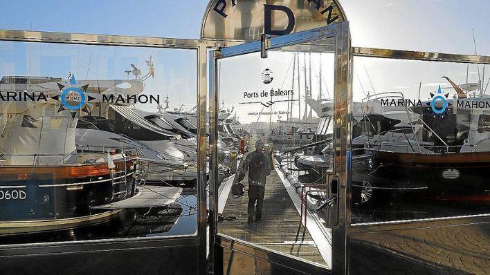 APB ordena el desahucio de Trapsayates del puerto de Mahón