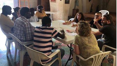 El Top Manta se organiza y se reúne con el Ayuntamiento de Palma por la aprobación de la ordenanza cívica