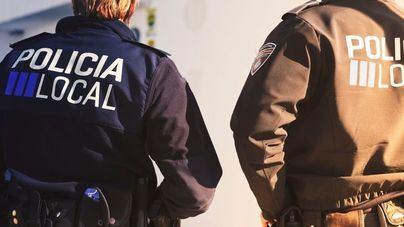 Arden varios contenedores en el núcleo urbano en Sant Antoni en Ibiza