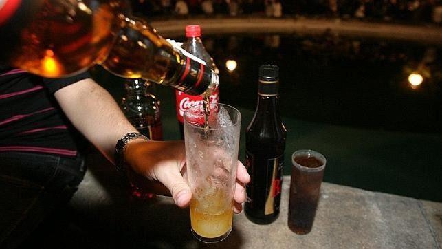 Piden a los ayuntamientos que no cedan espacio a las fiestas que animen a beber alcohol