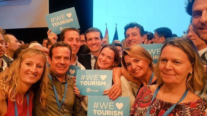 Company 'satisfecho' por la elección de Casado como nuevo líder del PP nacional