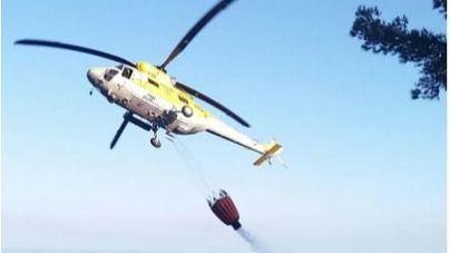El helicóptero del IBANAt, en tareas de extinción