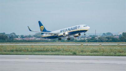 Nueva reunión entre la Dirección General de Trabajo y Ryanair y los sindicatos ante la huelga de mañana