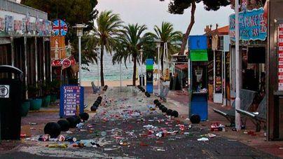 Calvià identificará a los bares de Punta Ballena que tiran basura a la calle