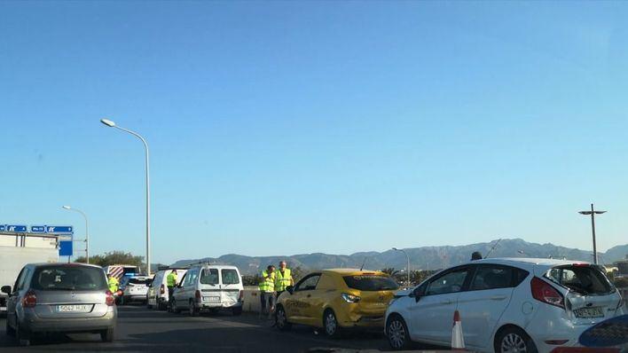 Mañana complicada: colas en los accesos a Son Castelló y en la Autovía de Inca
