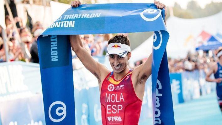 Mario Mola repite victoria en Edmonton y va camino de su tercer mundial