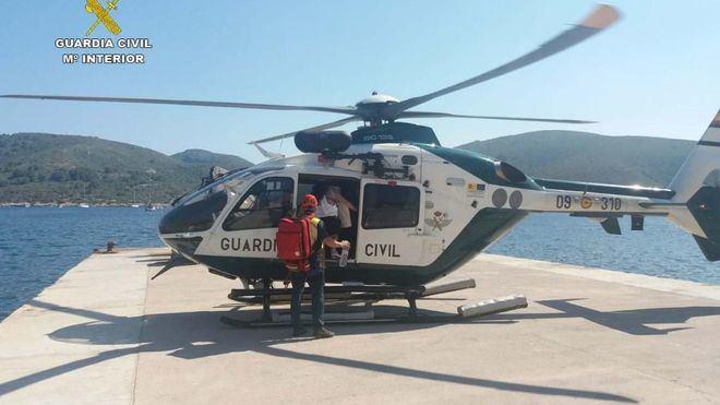 Trasladan en helicóptero a una mujer con problemas cardiacos desde Cabrera