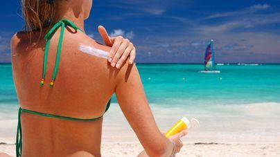 El 76 por cien de los lectores afirma seguir las recomendaciones para proteger su piel cuando toma el sol
