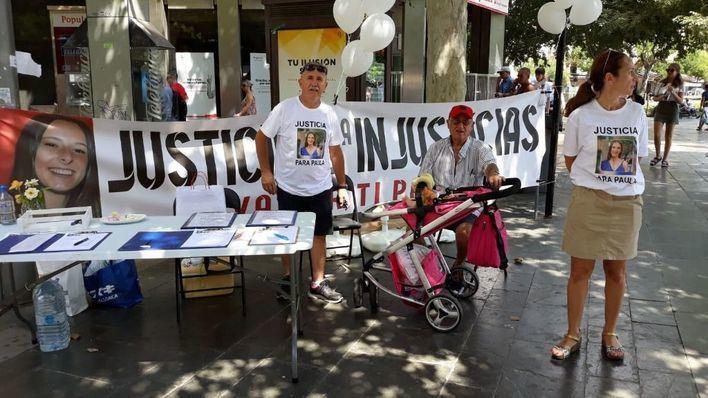 Familiares de Paula Fornés inician en Palma una campaña presencial para recoger firmas