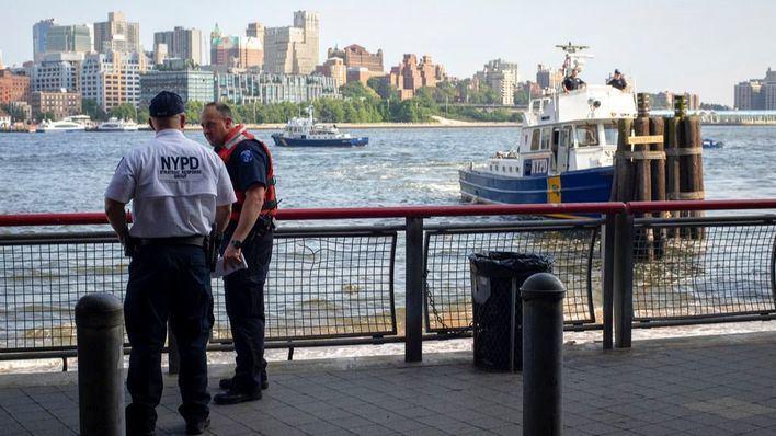 Hallan el cadáver de un bebé flotando bajo el puente de Brooklyn