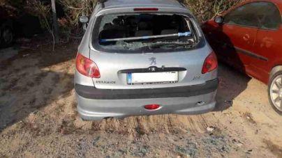 Detenido un turista borracho por destrozar coches en Ibiza
