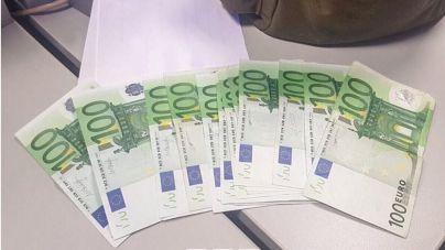 Se encuentra 1.000 euros en Palma y los entrega a la Policía