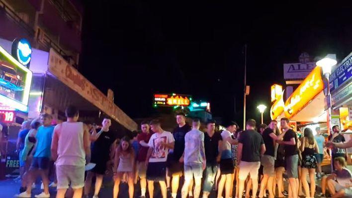 Calvià cerrará bares que venden alcohol a menores tras las denuncias de padres mallorquines