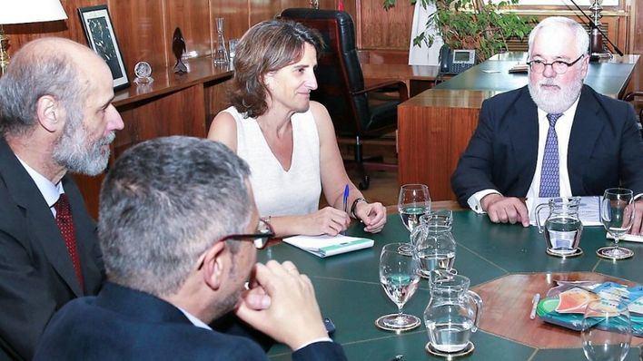 La ministra Ribera quiere prohibir todas las prospecciones petrolíferas en aguas españolas