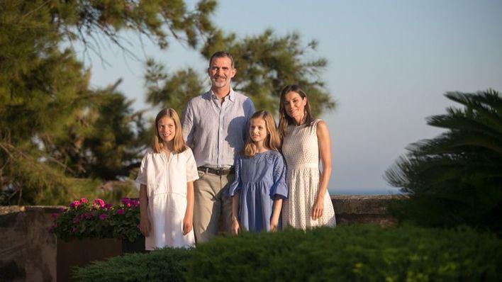 Los Reyes cierran su estancia en Palma marcada por encuentros familiares