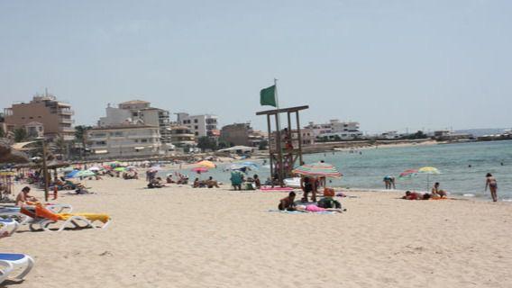 Reabren las playas de Can Pere Antoni y Ciutat Jardí tras el vertido de fecales