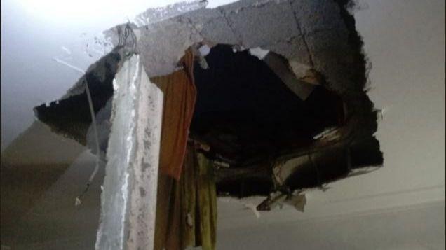 Desalojan a una familia de su vivienda de Palma tras derrumbarse el techo por las fuertes lluvias