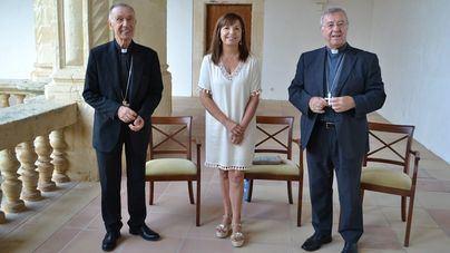 La alcaldesa de Manacor, Cati Riera junto a Ladaria y Taltavull