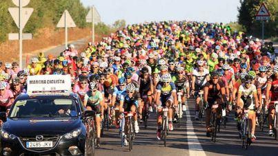 Homenaje a 'Perico' Delgado de 2.500 ciclistas encabezados por Induráin