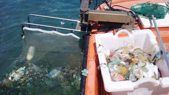 Recogen más de 15 toneladas de residuos del litoral balear, de los que un 40 por cien son plásticos