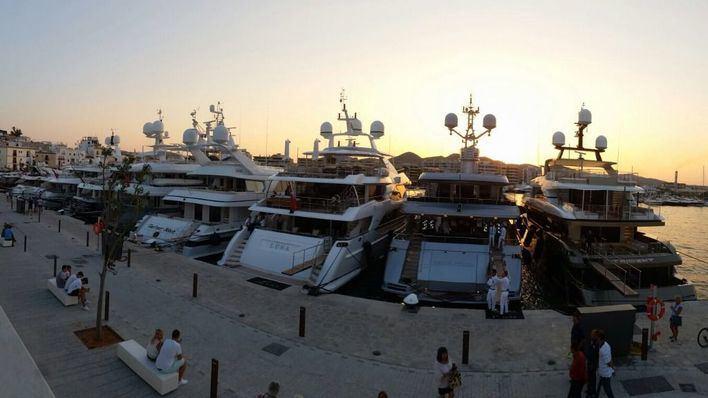 Hallan muerto a un hombre a bordo de un yate en el puerto de Ibiza