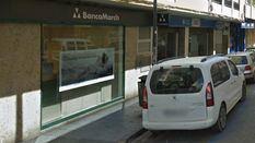 Alunizaje contra la sede de la Banca March en Ibiza